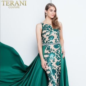 TERANI COUTURE 1812P5387 PROM DRESS NWT SIZE 4!!!